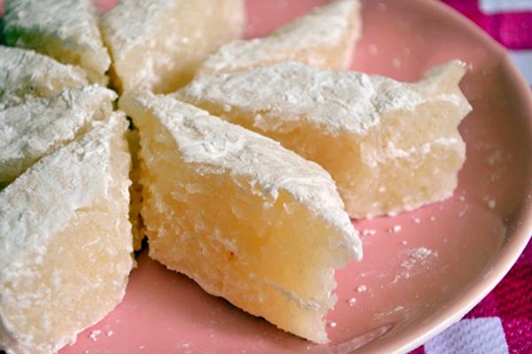 Bánh dừa mận hấp dẫn