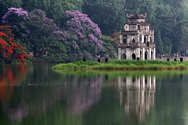 Vẻ đẹp Hồ Gươm sớm mai