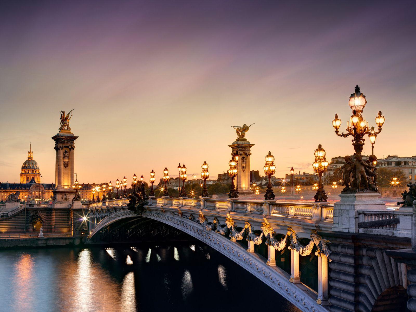 Pháp hoa lệ quyến rũ về đêm