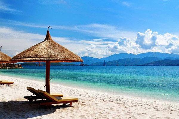 Mỹ Khê – Một trong sáu bãi biển đẹp nhất hành tinh