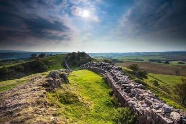 Làm sao để bỏ qua một nơi hấp dẫn và tuyệt vời như ở bức tường Hadrian?