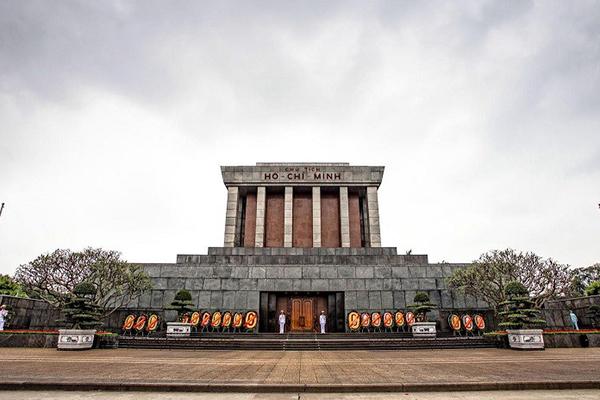Lăng Chủ tịch Hò Chí Minh