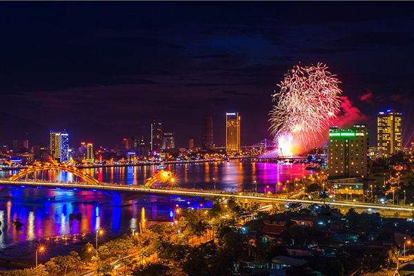 ve-may-bay-di-da-nang-tu-ha-noi
