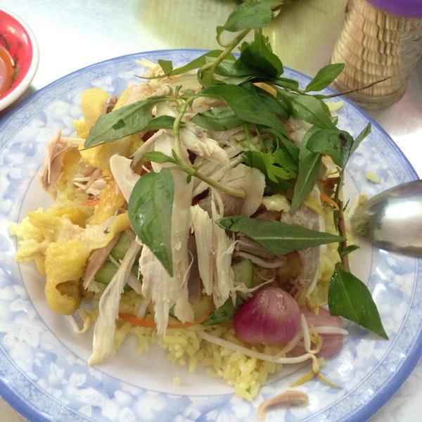 Quán cơm gà Tuyết Nhung